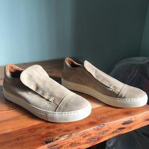 John Varvatos Reed laceless low top suede sneaker